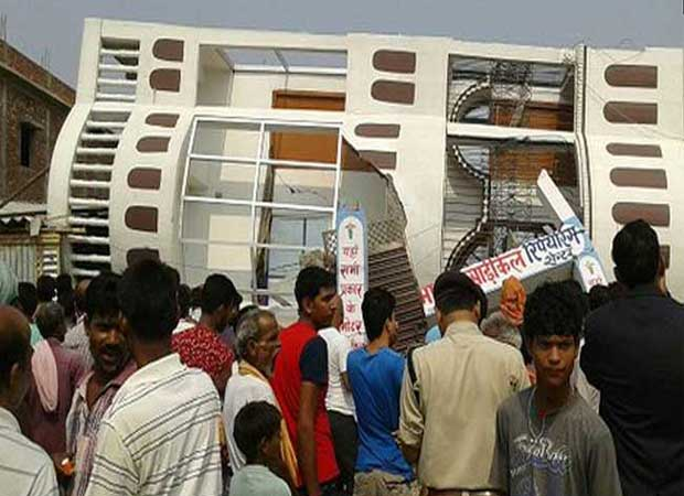 Three storey building collapses in Bihar, many injured