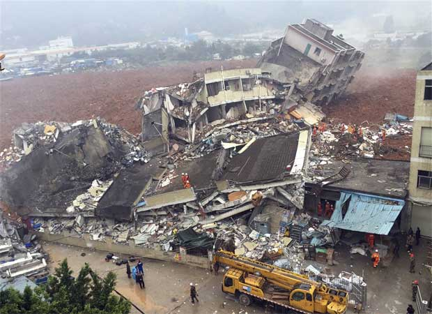 35 workers buried alive in landslide in South-east China