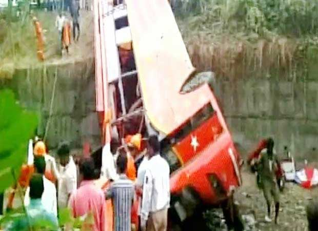 Major road accident claims 17 lives on Mumbai-Pune express way