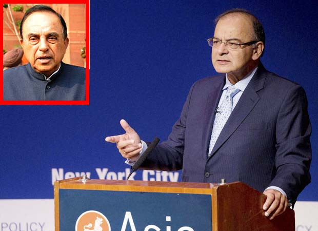 Subramanian Swamy now compares FM Jaitley with waiter