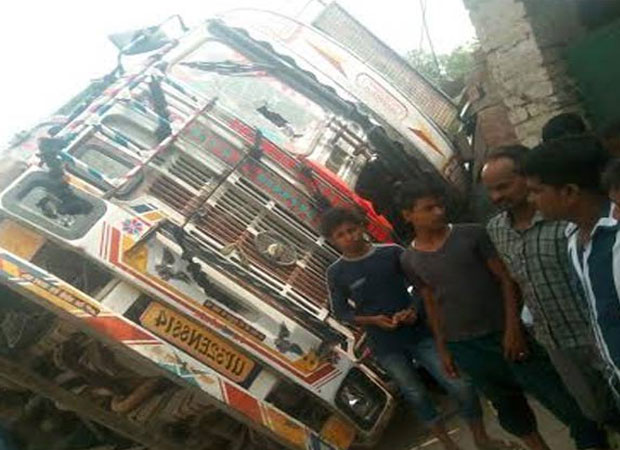 Six including 5 children killed in a road accident in Lucknow