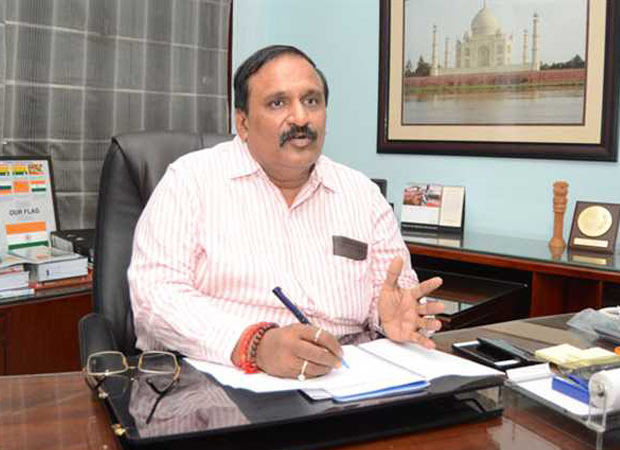 Palace intrigues in UP: CS Singhal has his way with predecessor