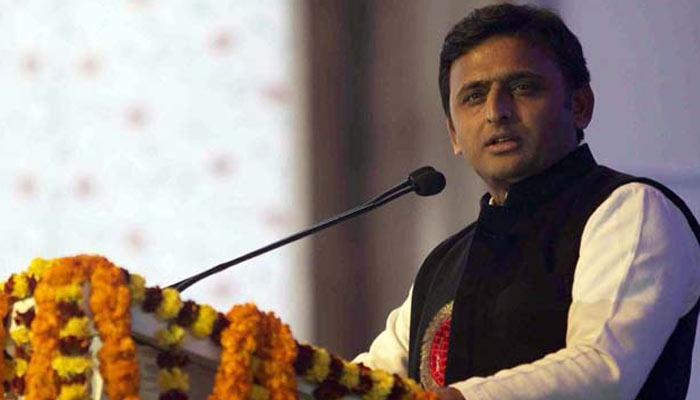 Akhilesh regrets loyalty of some officers with opposition, puts CS on test