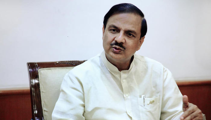 Culture minister advises women tourists to avoid wearing skirts in India