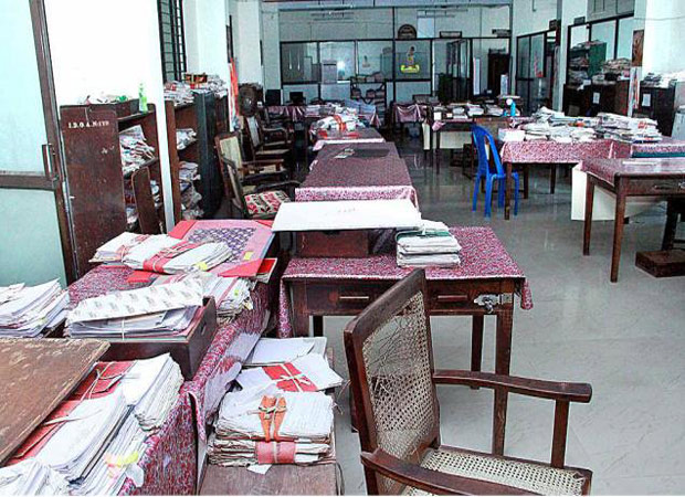State machinery cripples:16 lakh employees on a three day strike