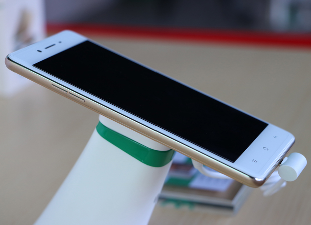 OPPO launches upgraded selfie expert F1s in India