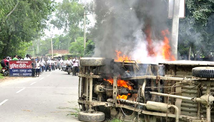 Mob attacks police for laxity against alleged cow traders