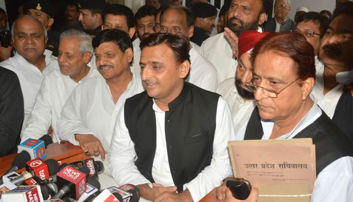 Akhilesh and Shivpal say Hum Saath-Saath Hain, vouch for unity