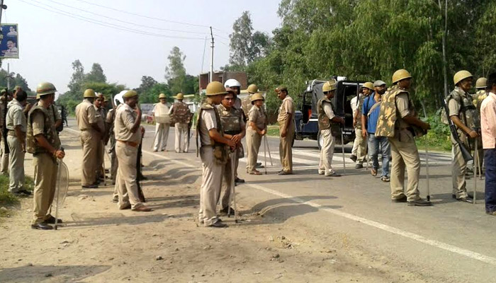 PHOTOS: Communal tension in UP town, four persons shot dead