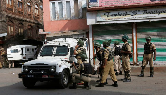 1 policeman killed, other injured in Kashmir, gunfight continues