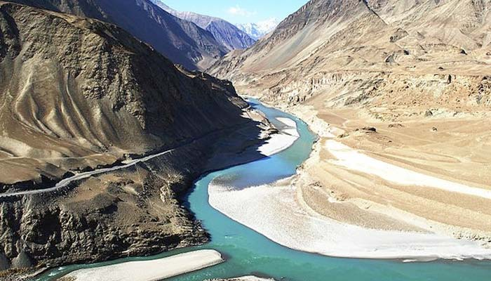 Pak approaches World Bank against Indias stand on Indus treaty