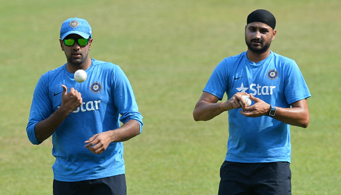 R Ashwin tweets to clear controversy with Harbhajan