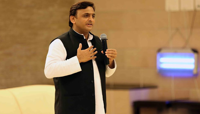 Akhilesh breaks down, says he would resign from post