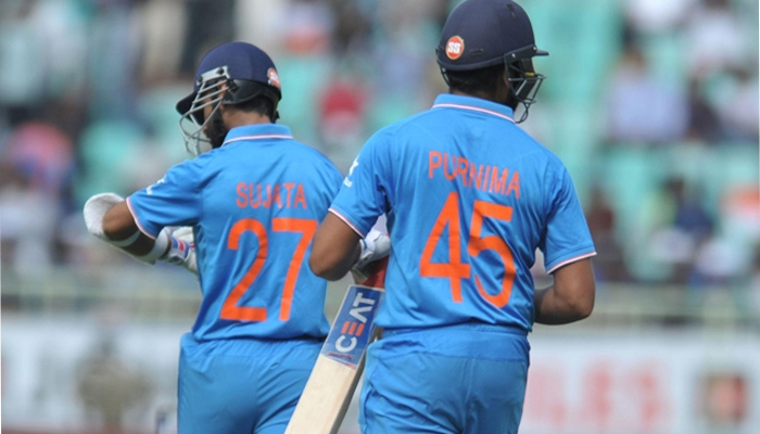 Men in Blue wear mother's name as tribute to women