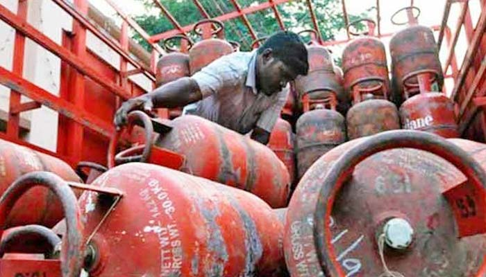 Subsidised LPG, petrol turn costlier by Rs 22 and 28 paise/ltr respectively