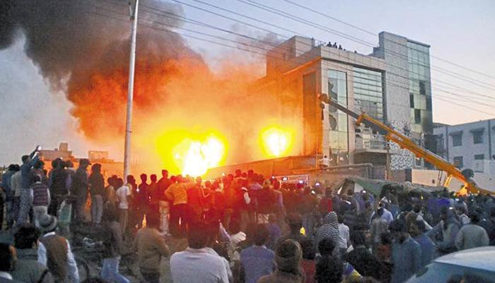 Fire in a garment factory of Ghaziabad kills 13, injures many