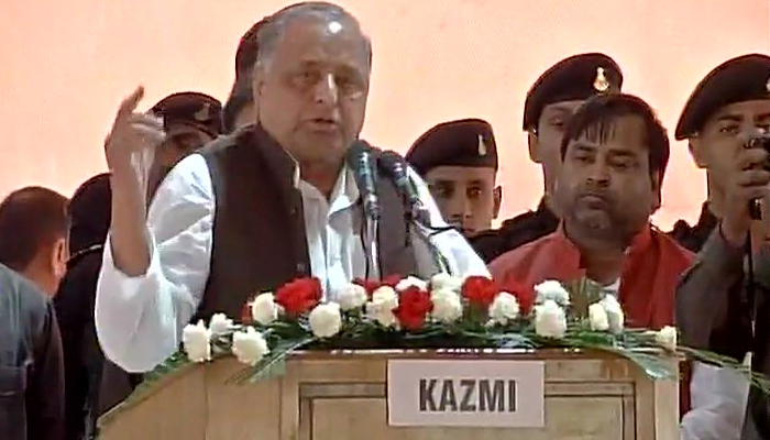 Mulayam imparts lesson of unity during partys Silver Jubilee event