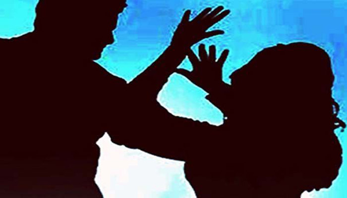 Woman looted, raped in ladies coach of a moving train