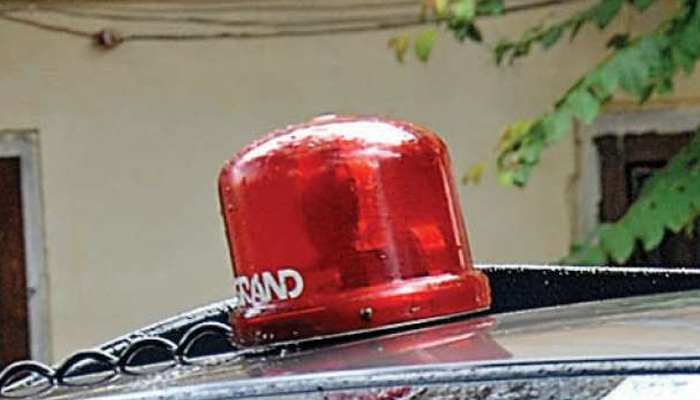 ICs in UP using red beacon bothers Lucknow HC