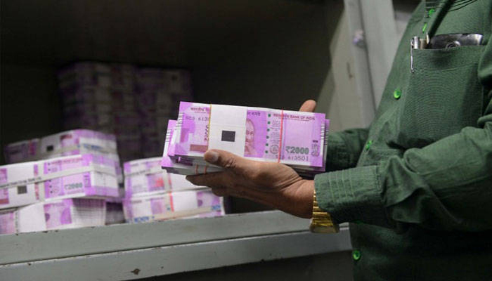New two thousand notes seized from many areas in the country