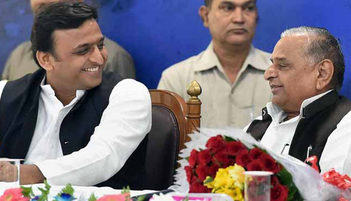 Did Mulayam Singh approach EC in a casual manner deliberately?