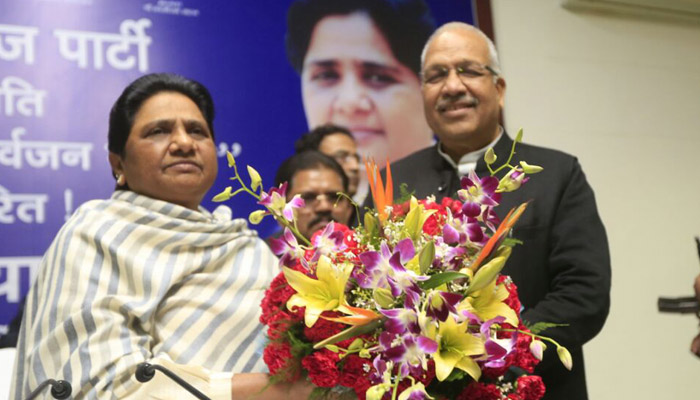 Senior SP leader Ambika Chaudhary joins the BSP