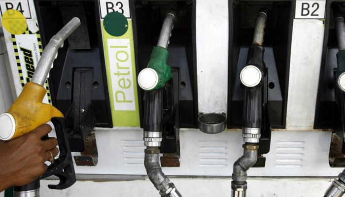 No extra charge for card payments at petrol pumps, announces govt