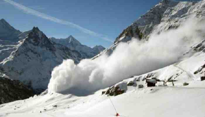 Avalanches hit Gurez sector; Ten army jawans killed, two missing
