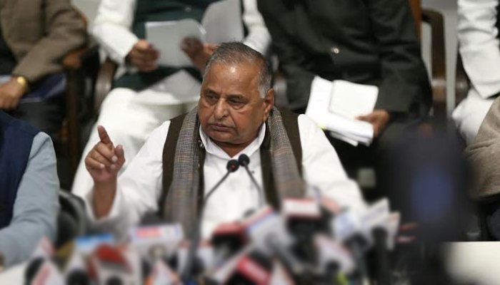 Fresh peace bid is being made in the Samajwadi Party by  Azam Khan