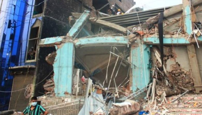 Two storey building collapses in Ghaziabad, five killed