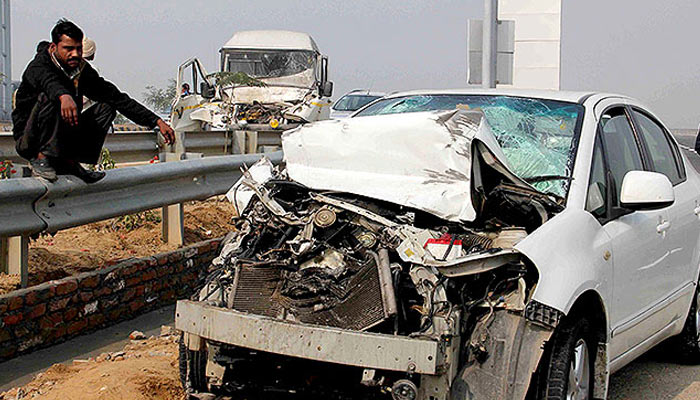 Jaipur-Agra highway: Vehicles collide due to heavy fog, one dead
