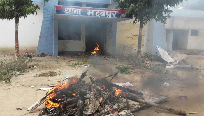 Enraged mob torches police station in Deoria