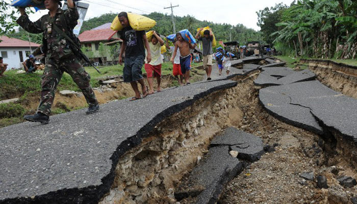 Earthquake of magnitude 6.7 jolts Philippines, six dead