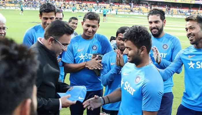 Rishabh Pant makes debut, becomes youngest Indian cricketer in T20I