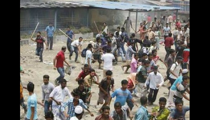 Voting in Mahoba constituency starts with a case of poll violence