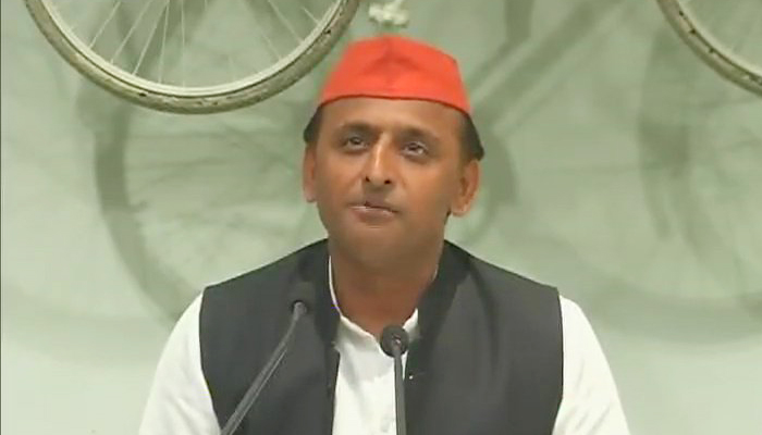 Akhilesh intensifies attack on PM Modi in slog overs of UP polls