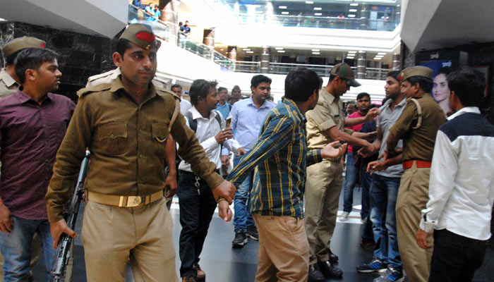 Over-enthusiastic 'Anti-Romeo' police goes on overdrive, even girls admit