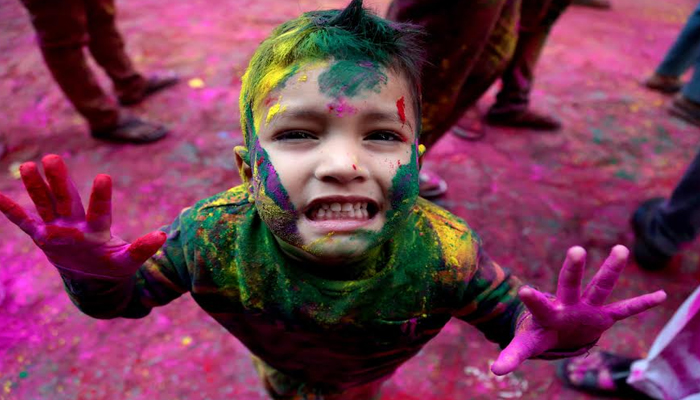 HAPPY HOLI 2017: Wish friends and family on colourful festival