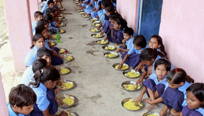 Centre makes Aadhar number mandatory for mid-day meal