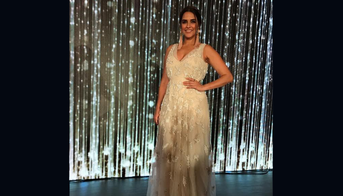 PHOTOS: Neha Dhupia sizzles in FBB Miss India North Zone Finale