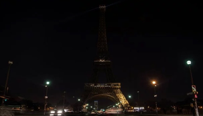 Paris turns off Eiffel Tower lights in solidarity with Egypt