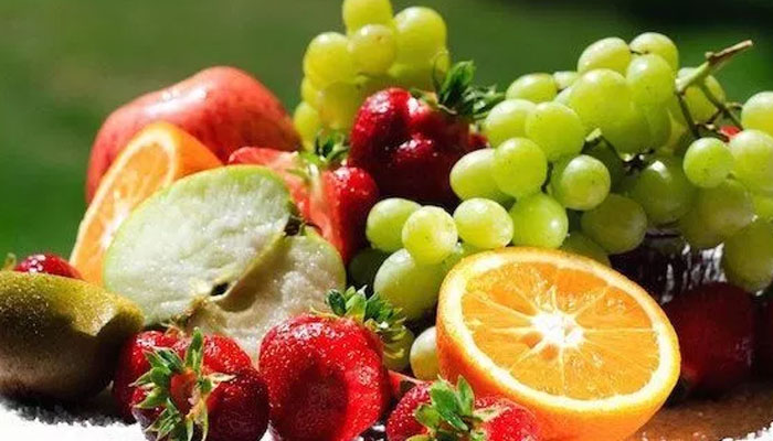 Eating fruits, vegetables daily may cut artery disease