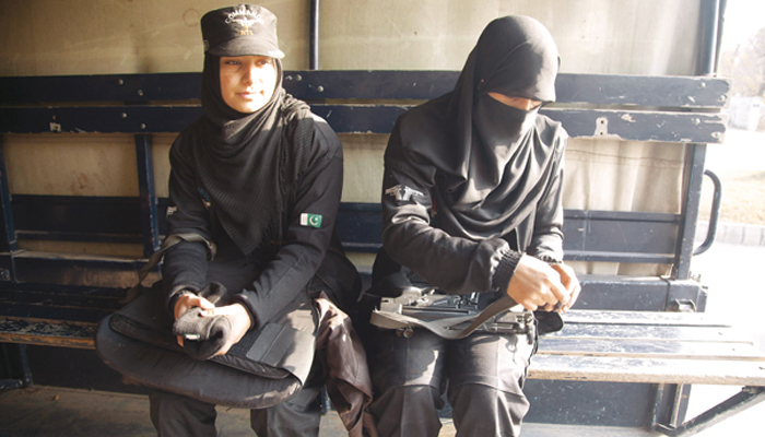 Pakistans Sindh recruits women for anti-terror operations