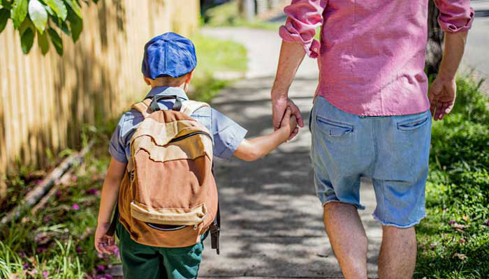 Single-parent kids may have lower wellbeing in adulthood