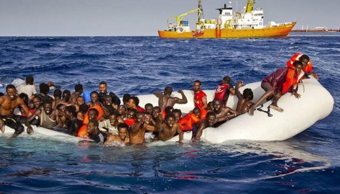 More than 900 migrants rescued off Libyan coast