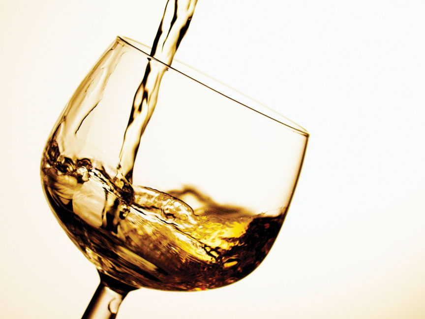 Liquor shops re-open in Telangana; tipplers throng stores