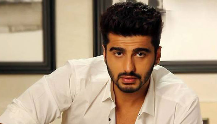 Arjun Kapoor to start filimg for Hindi remake of 'Comali'