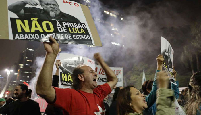 Protests break out over ex-Brazilian Presidents jail sentence