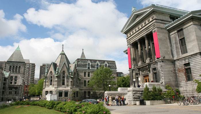 Indian students more inclined towards Canadian universities