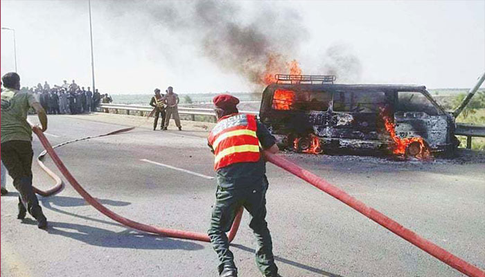 Pakistan | 13 killed as van catches fire in Khyber Pakhtunkhwa